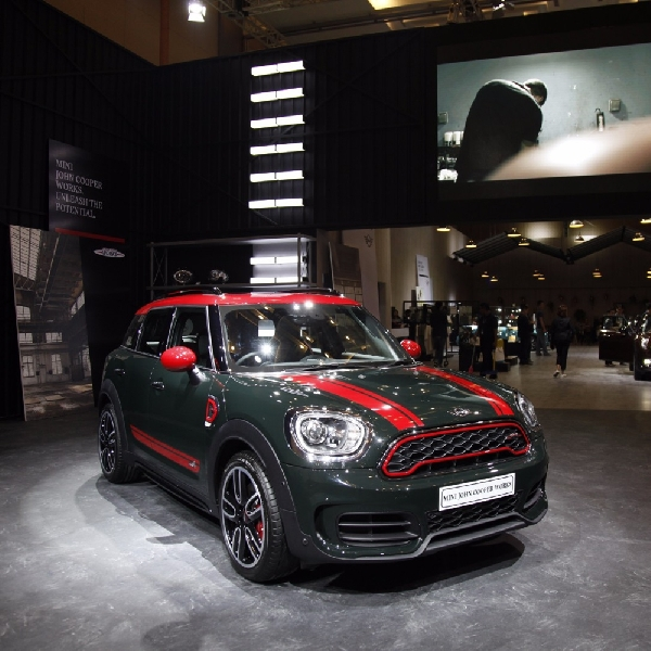 GIIAS 2017: New MINI John Cooper Works Countryman - Lengkapi Varian Hatchback Premium