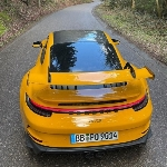New Porsche 911 GT3 Tampak Sempurna Dalam Balutan Warna Kuning