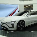 NIO Luncurkan Teaser Sedan Unggulannya Dengan Baterai Masif 150 kWh