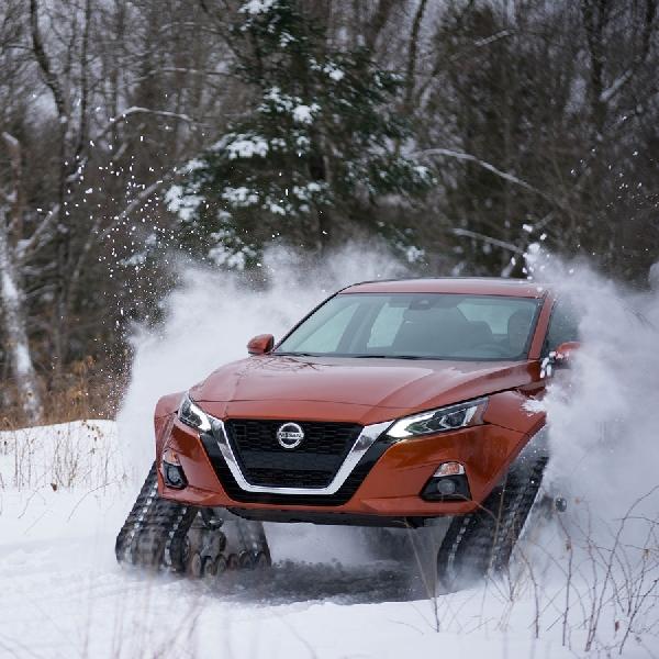Giliran Nissan Altima Dimodif Melawan Ganasnya Musim Salju di Kanada