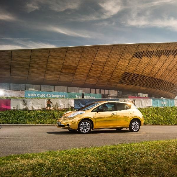 Nissan Hadiahkan Mobil Listrik Berkelir Emas untuk Atlet Berbakat