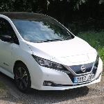 """Nissan Leaf """"Terangkan"""" Kembali Minimarket di Jepang"""