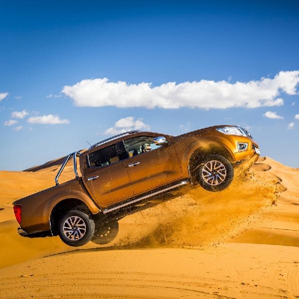 Nissan Navara Uji Ketangguhan di Gurun Pasir