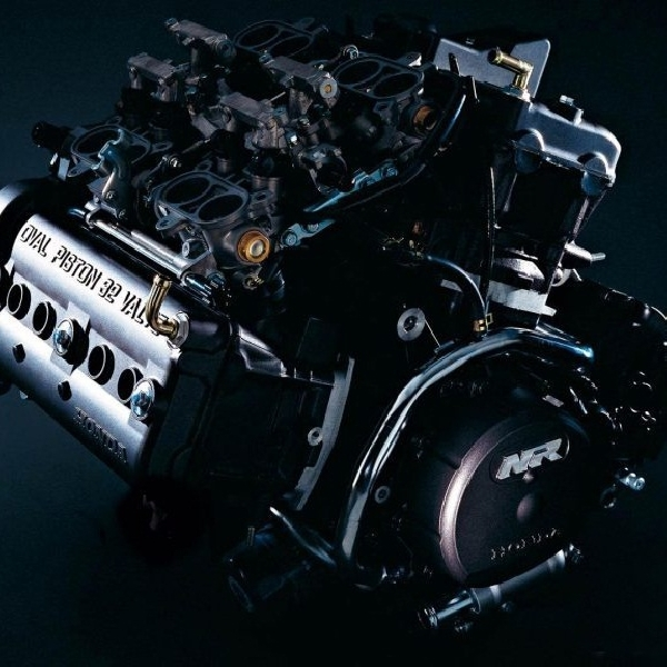 Tradisi Balap Mesin V4 Tercermin pada Honda NR500 dan NR750   Saat Turun di Endurance dan Grand Prix