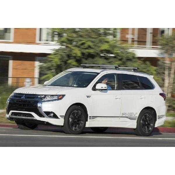 Mitsubishi Outlander Baru Bakal Pakai Basis Nissan Rogue