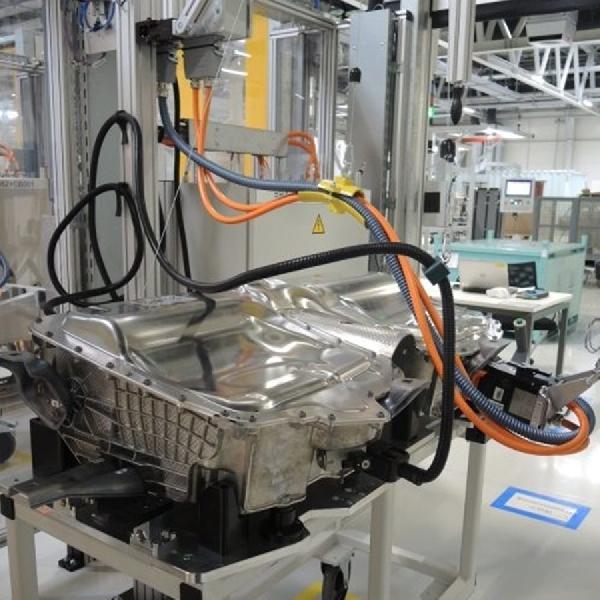 BMW Tingkatkan Produksi Baterai Untuk iX3