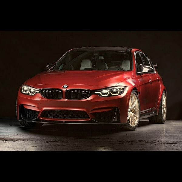 Di SEMA, BMW Hadirkan M3 30 Years American Edition
