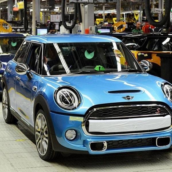 Rolls-Royce Tangguhkan Produksi di Pabrik Goodwood