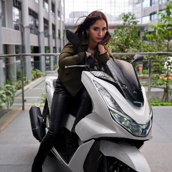 Honda PCX Naik Level, Diluncurkan dengan Honda PCX e:HEV