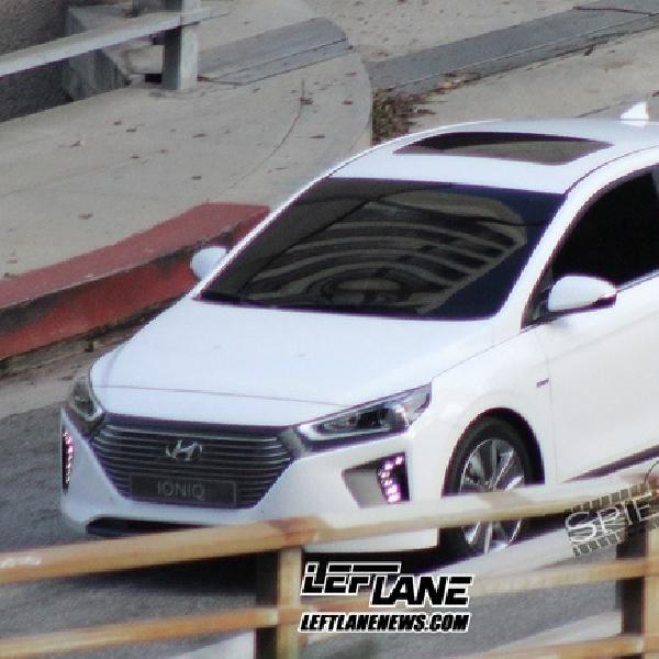 Penantang Toyota Prius Terbidik Kamera