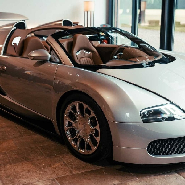 Perlu Waktu Empat Bulan Untuk Bugatti Merestorasi Veyron 2008 Ini