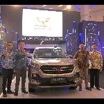 Wuling Motors Berpartisipasi di IIMS Surabaya 2019