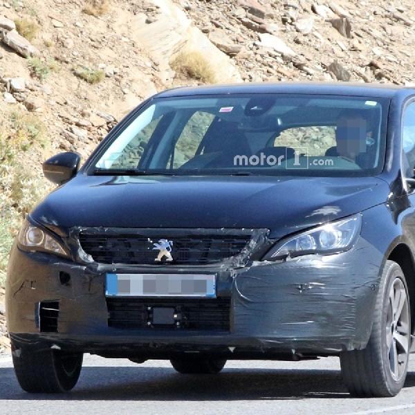 Peugeot 308 Terbaru Terlihat Sedang Diuji