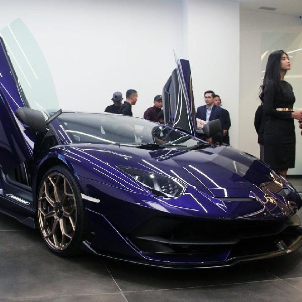 Kunjungi Lamborghini Jakarta Showcase Ada Miura dan Aventador SVJ loh