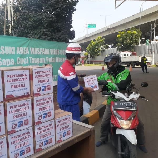 Pertamina Production Unit Jakarta Bagi-bagi Sembako Untuk Pengemudi Transportasi Umum