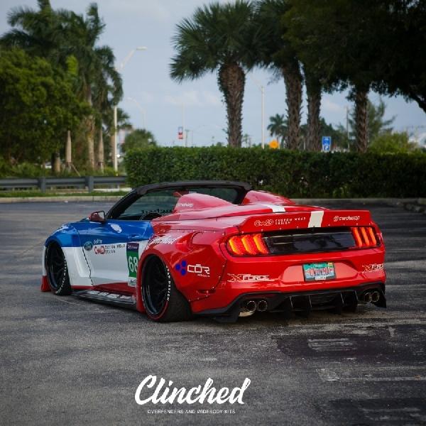 Ford Mustang S550 Convertible Rela Berkostum Roadster ala  Porsche