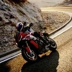 BMW Motorrad  Boyong Sport Touring BMW S 1000XR ke Indonesia