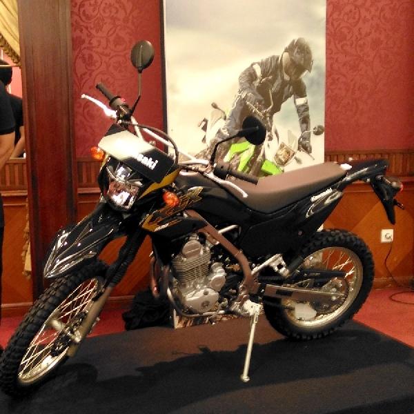 KMI Persembahkan All New Kawasaki KLX230 di Jakarta Fair 2019