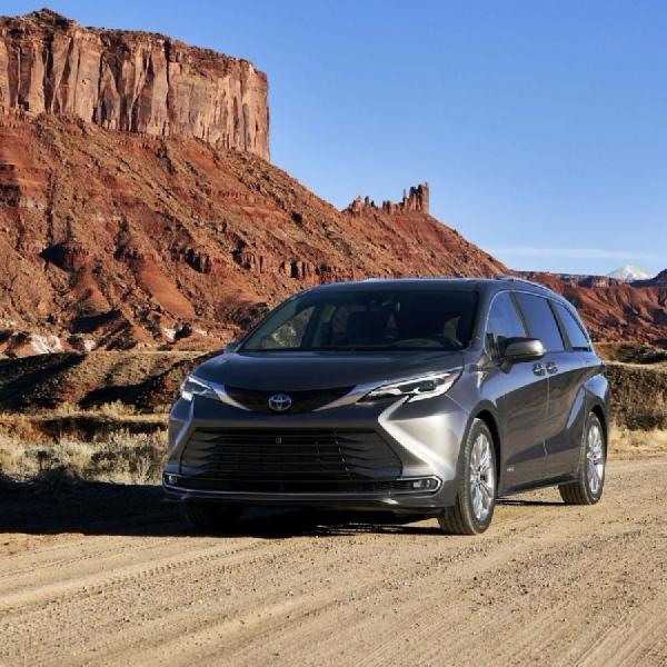 Toyota Sienna 2021 Hybrid AWD Menantang Honda Odyssey,  Apa Kelebihannya?