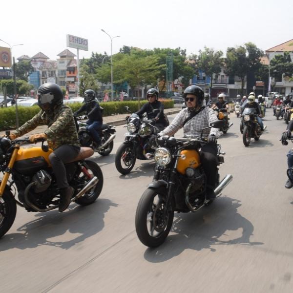 PT Piaggio Indonesia Semarakkan Sekepal Aspal Indonesia Motoart Exhibition 2019 dengan Moto Guzzi V85TT