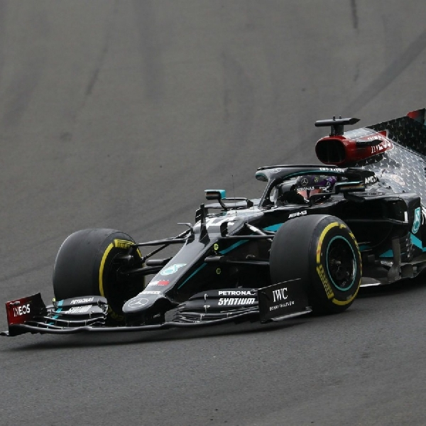 Hamilton Sukses Duduki Podium di Race Spanyol
