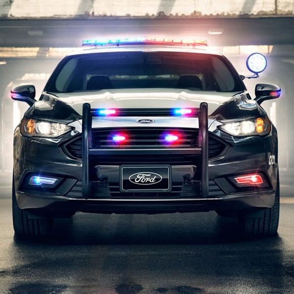 Police Responder Hybrid Sedan - Mobil Hybrid Patroli dari Ford