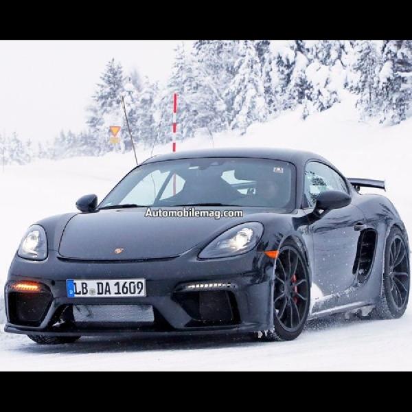 Porsche 718 Cayman GT4 Lakukan Pengujian di Medan Bersalju