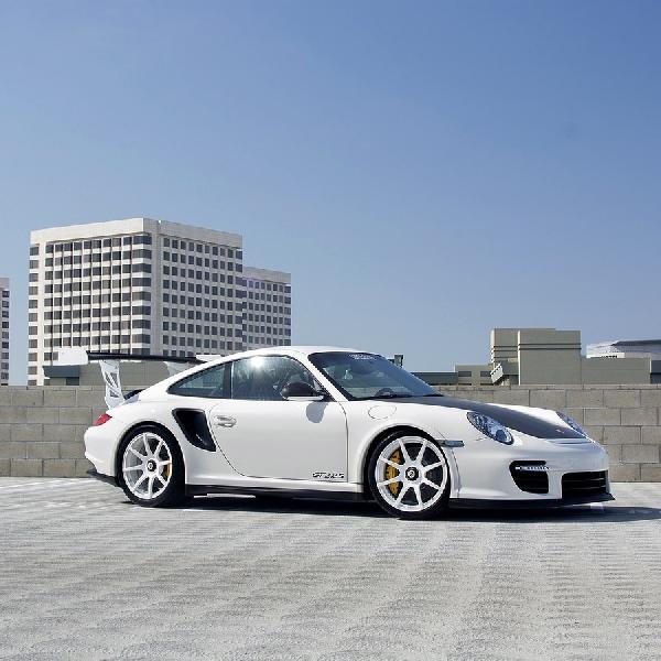 Modifikasi Aerodinamis Porsche 911 GT2 RS