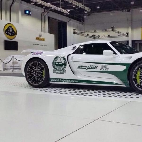 Porsche 918 Spyder Jadi Mobil Dinas Polisi di Dubai