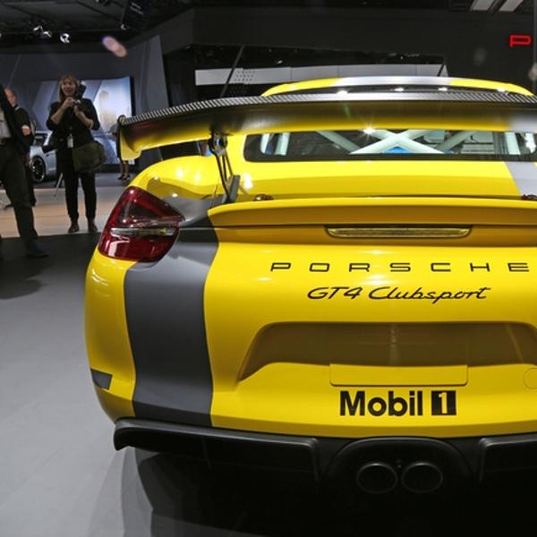 Porsche Resmi Kenalkan Cayman GT4 Clubsport