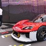 Mobil Balap Terbaru Porsche Memiliki Interior Dengan Peralatan Canggih
