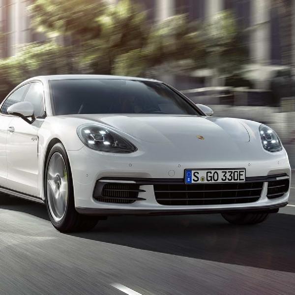 Porsche Panamera 4 E-Hybrid goda konsumen dengan 462 hp