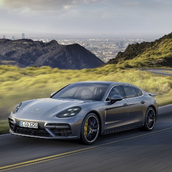 High Performance Porsche Panamera V8 Hybrid