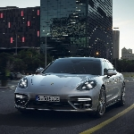 New Porsche Panamera Turbo S E-Hybrid Dengan Output Power 671HP