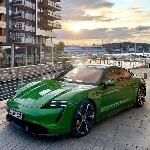 Porsche Taycan Dinobatkan Sebagai Mobil Paling Inovatif di Dunia