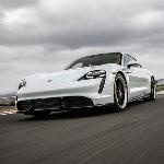 Putaran Rekor Porsche Taycan di Michelin Raceway Road Atlanta