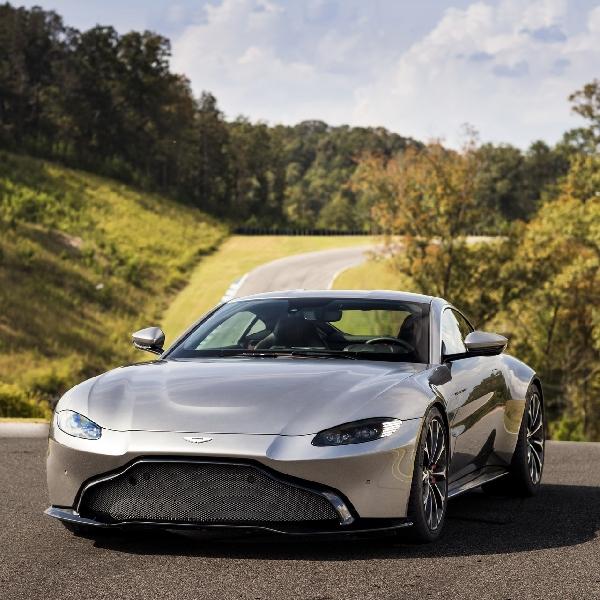 Aston Martin Vantage akan Meluncur Pakai Mesin Mercedes-AMG CLS 53