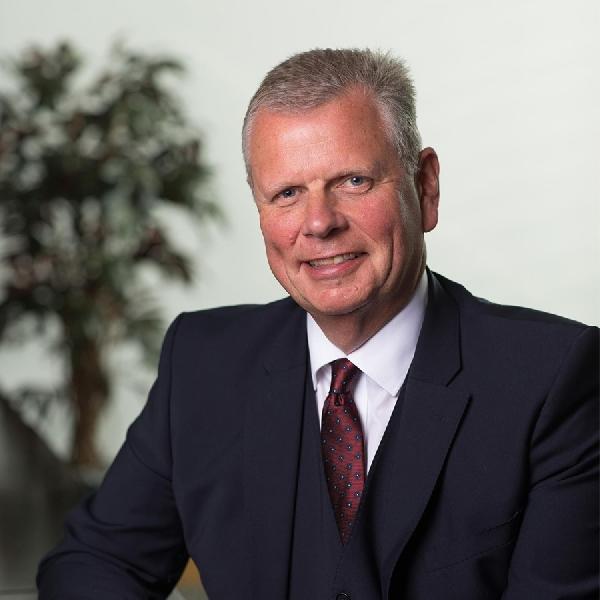 Andrew Didlick Pensiun dari PSA Group