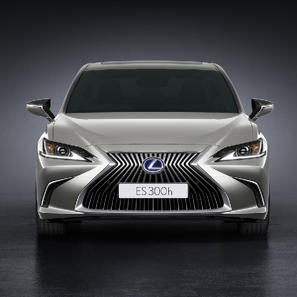 Lexus Luncurkan The Entirely New ES & The Newest UX