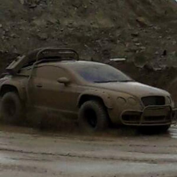 Replika Bentley Disulap jadi Mobil Offroad