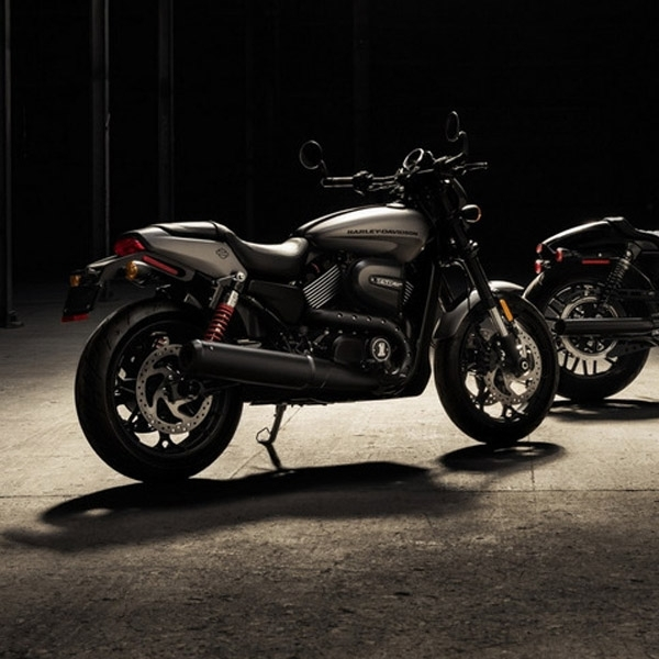 Harley Davidson Street Rod DIlepas dengan Harga Rp109 Juta