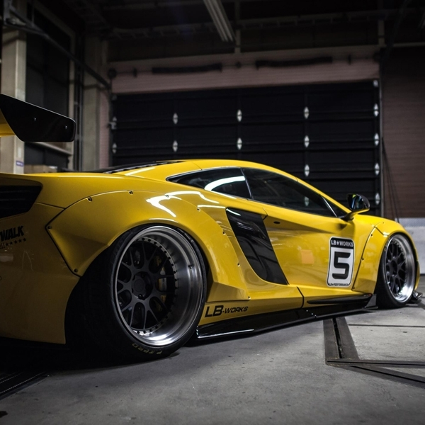 Liberty Walk Unjuk Gigi di London Motor Show
