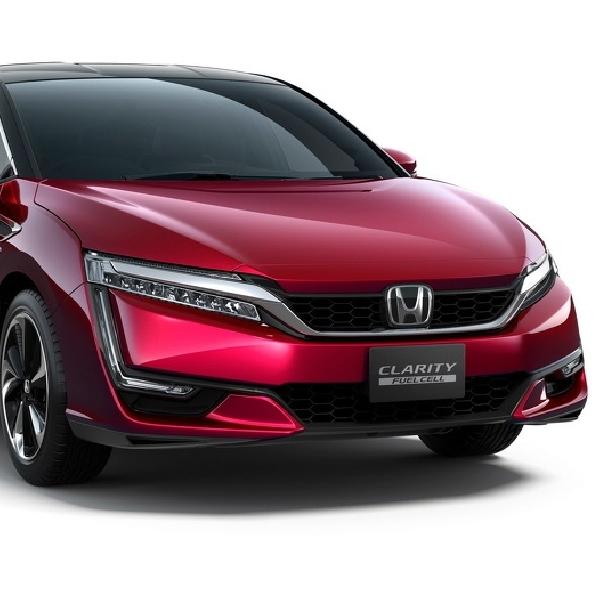 Resmi Dikenalkan, Honda Clarity Fuel Cell Siap Saingi Toyota Mirai