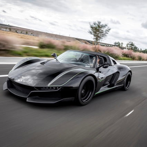 Beast Alpha X Black Bird, Sports Car Rezvani dengan Output 700 hp