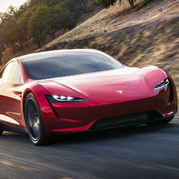 Maaf, Tapi Tesla Roadster Harus Ditunda Hingga Tahun 2022