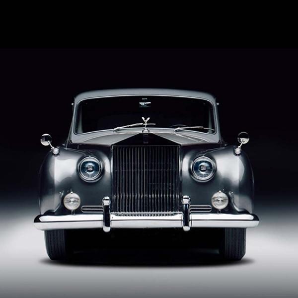 Rolls-Royce Klasik Masuk Segmen Elektrik dengan Revitalisasi Lunaz