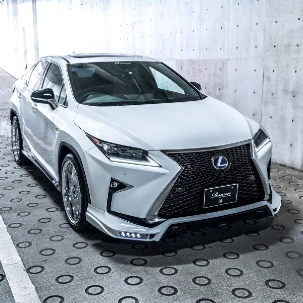Modifikasi Lexus RX F-Sport oleh Rowen International