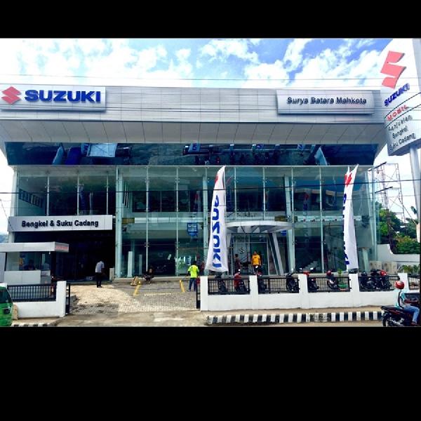 Suzuki Resmikan Dealer Roda Empat Surya Bahana Mahkota di NTT