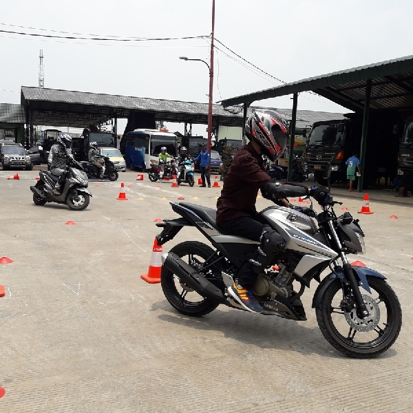 Yamaha Adakan Edukasi Safety Riding