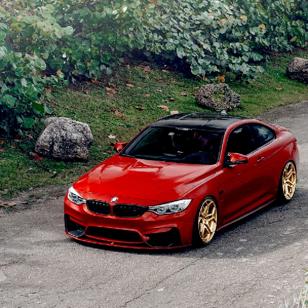 Modifikasi BMW M4 Sakhir Orange